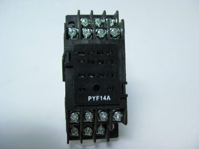 Used Assortment of Relays and Omron Relay Sockets Lot 322479602344 12