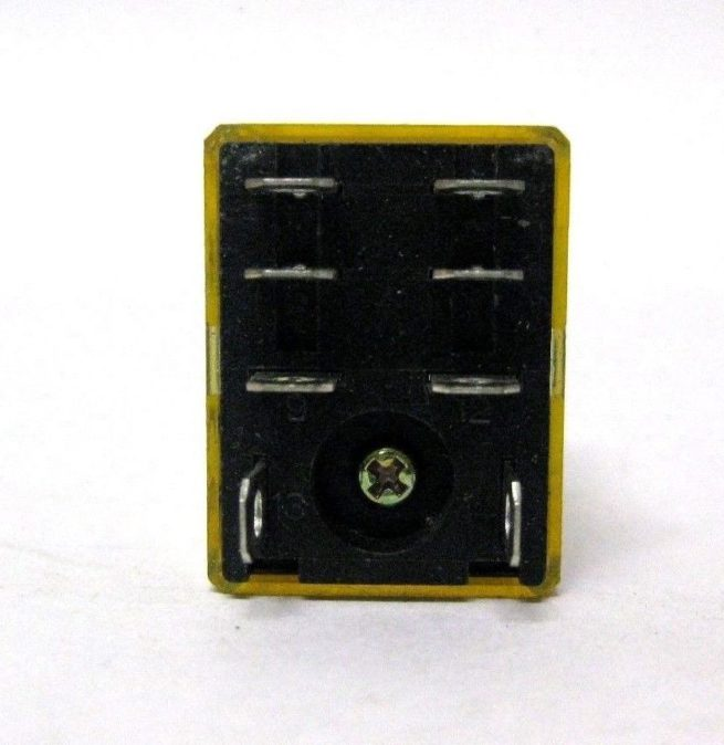 Used Assortment of Relays and Omron Relay Sockets Lot 322479602344 2