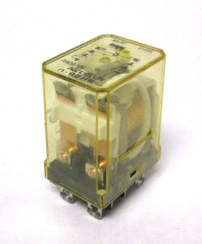 Used Assortment of Relays and Omron Relay Sockets Lot 322479602344 3