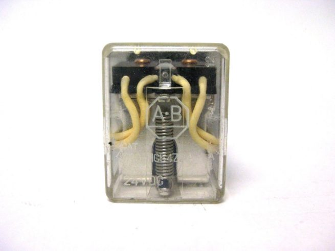 Used Assortment of Relays and Omron Relay Sockets Lot 322479602344 7