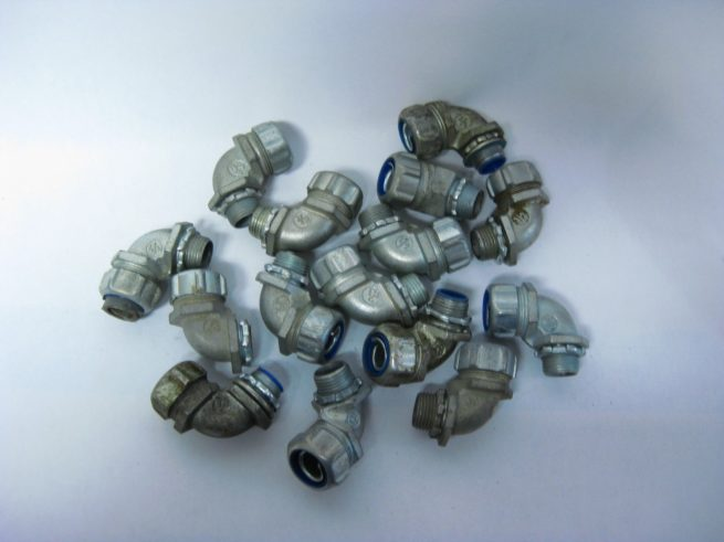 Lot of Angled and Straight Conduit Fittings 12 34 1 1 14 322549345265 2