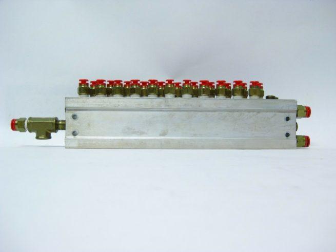 SMC 12 Position Pneumatic Manifold Block w SMC Push Fit Connectors 222556658368 2
