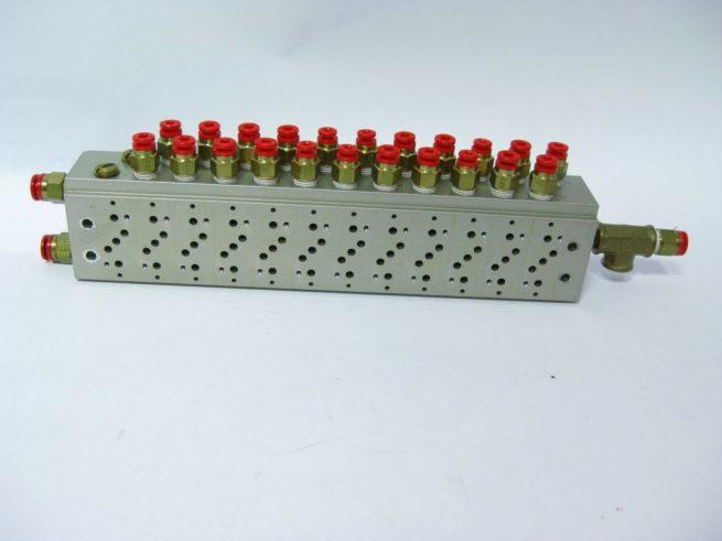SMC 12 Position Pneumatic Manifold Block w SMC Push Fit Connectors 222556658368